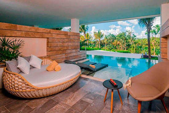 JUNIOR SUITE SWIM OUT - KING | ESTUDIO PLAYA MUJERES